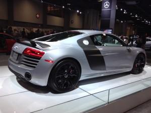 Audi R8 V10 S